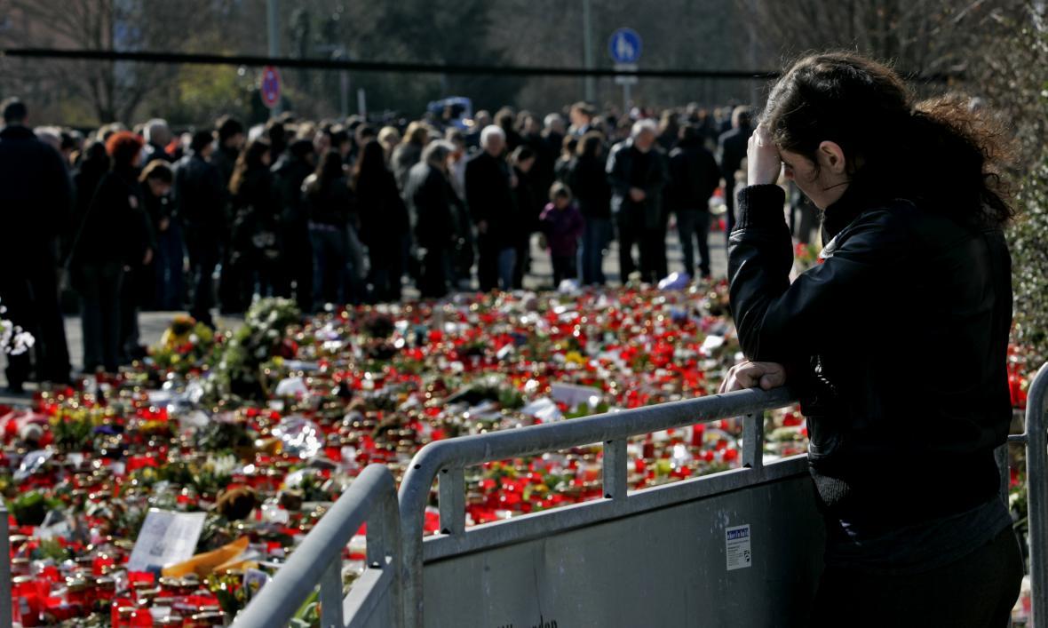 Smuteční obřad za oběti školního masakru v německém Winnendenu