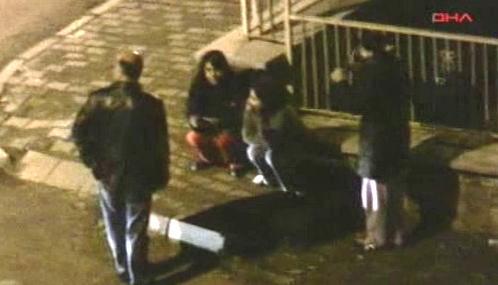 Strach ze zemětřesení vyhnal Turky v noci do ulic
