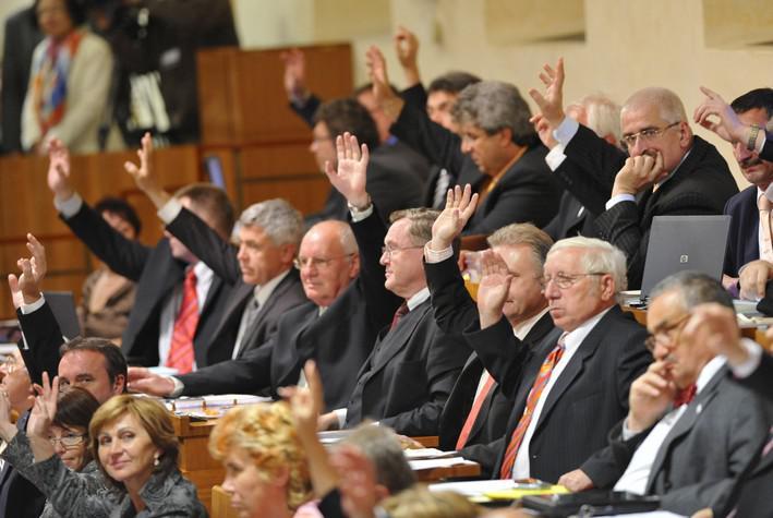 Senátoři hlasují o Lisabonské smlouvě