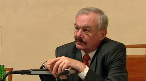 Přemysl Sobotka předsedá Senátu od roku 2004