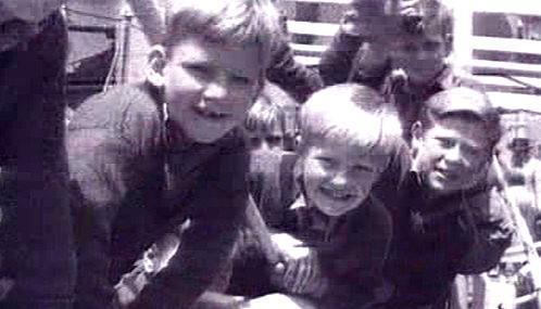 Britská vláda vyslala do kolonií 130 tisíc dětí