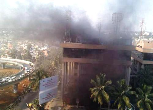 Požár domu v indickém Bengalúru