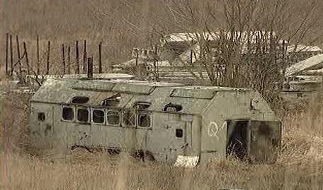 Chátrající vojenský areál v Milovicích