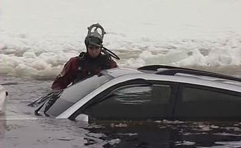 Vytažení auta z vody