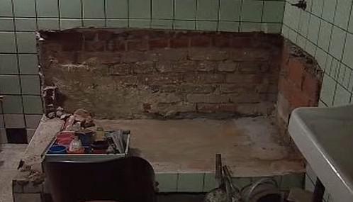 Povrchová voda poškodila sklepy