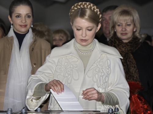 Julija Tymošenková u volební urny