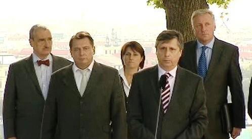 Premiér Fischer se zástupci politických stran
