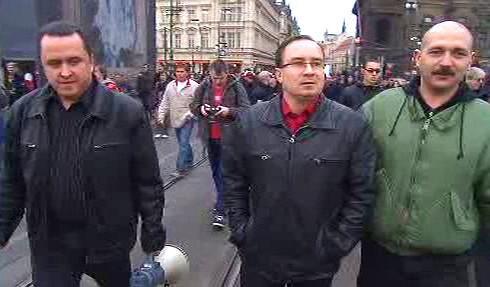 Tomáš Vandas v pochodu na Národní třídě