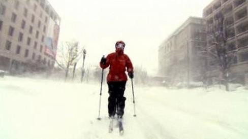 Ve Washingtonu do ulic jedině na běžkách
