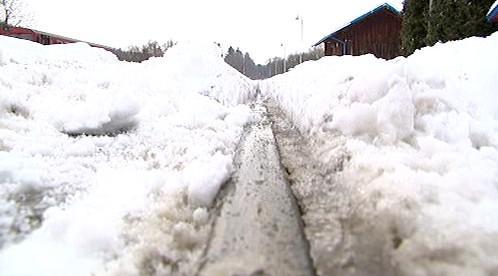 Sníh zkomplikoval provoz na železnici