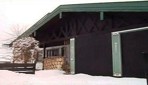 Dům, kde důchodci věznilli bankéře