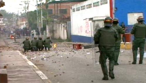 Venezuelská policie zasahuje proti demonstrantům