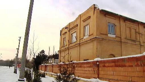 Stavba zasahující na pozemky magistrátu
