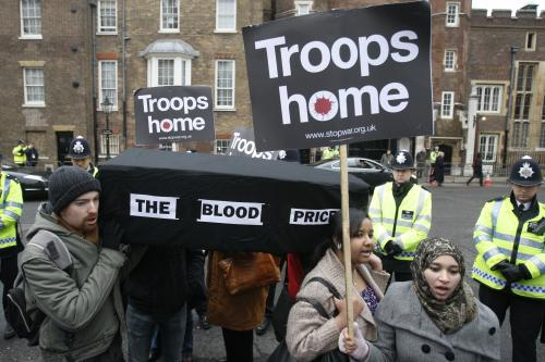 Demonstrace za návrat britských jednotek z Afghánistánu