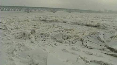 Zamrzlá řeka v Polsku