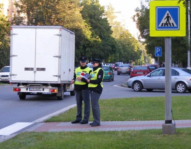 Policisté na přechodech