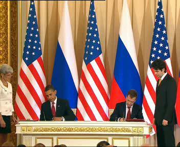 Obama s Medveděvem podepisují dohody