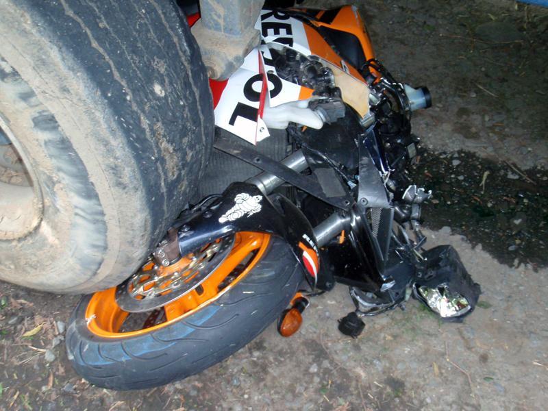 Střet motorky s traktorem