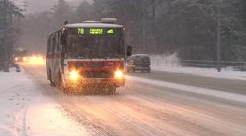 Sníh zkomplikoval provoz autobusů