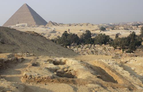 Pohřební areál nedaleko pyramid v Gíze