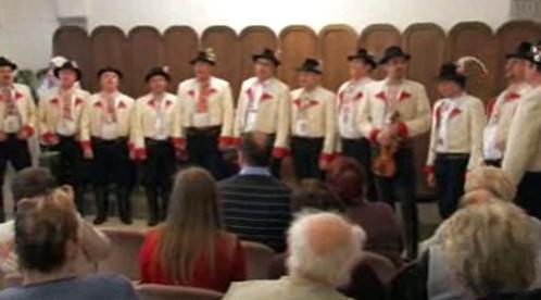 Folklorní soubor při vystoupení