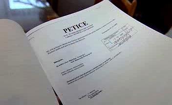 Petice obce Novina