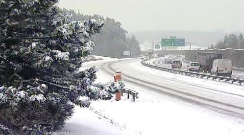 Sníh komplikuje provoz na D1