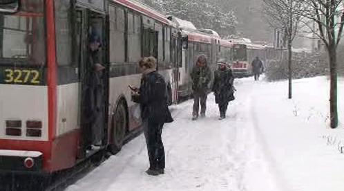 Trolejbusy zastavil sníh