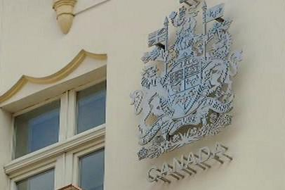Znak na kanadské ambasádě