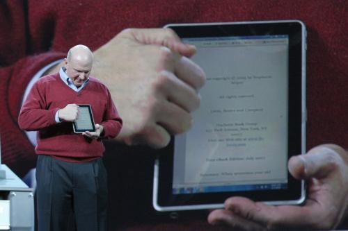 Steve Ballmer představuje nový tablet