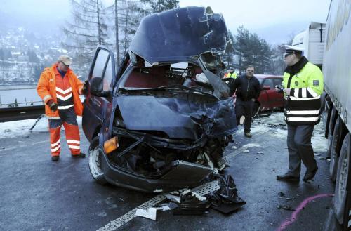 Vrak dodávky po nehodě
