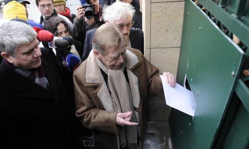 Havel předává protest
