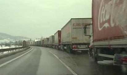 Kolona kamionů