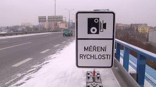 Dopravní značka měření rychlosti