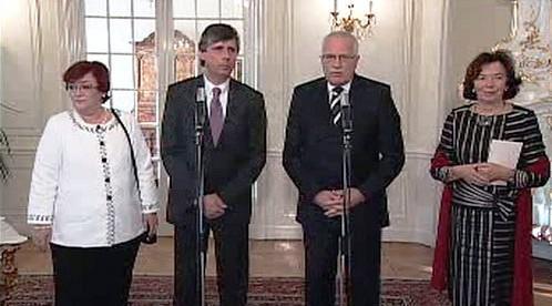 Jan Fischer a Václav Klaus s manželkami
