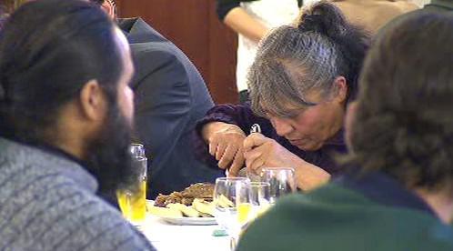 Slavnostní oběd pro lidi bez domova