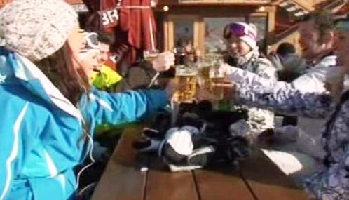 Lyžaři se často posilňují alkoholem