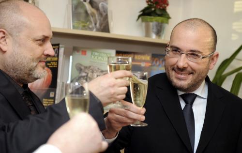 Miroslav Bobek (vpravo) při jmenování do funkce