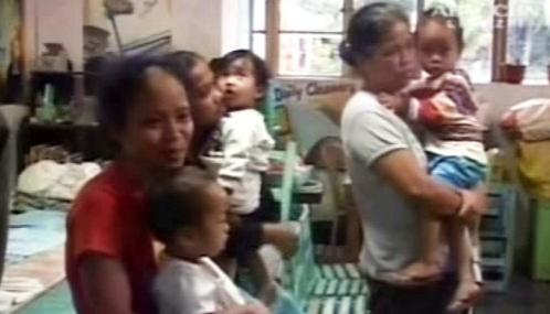 Evakuace lidí ohrožených sopkou Mayon