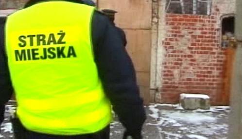 Polská policie prohledává útulky bezdomovců