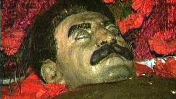 Mrtvý Josif Stalin