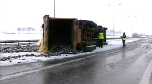 Provoz v Evropě komplikuje sníh
