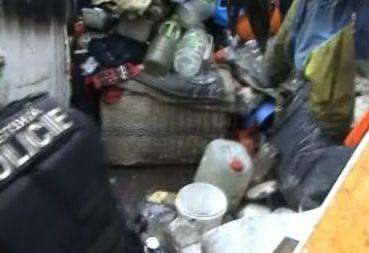 Hledaná holčička žila mezi odpadky