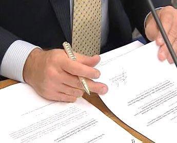 Podepisování smluv