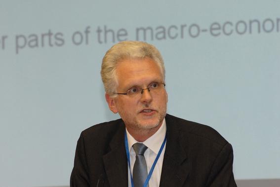 Jorgen Elmeskov