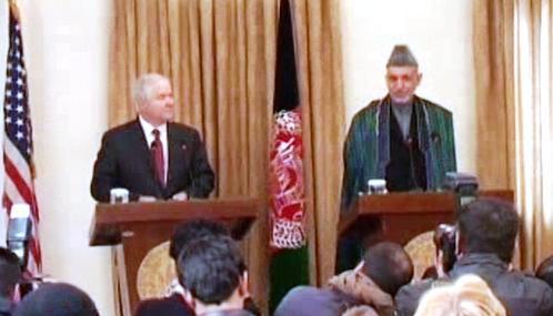 Robert Gates a Hamíd Karzáí