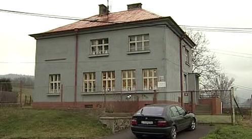 Škola v Prackovicích