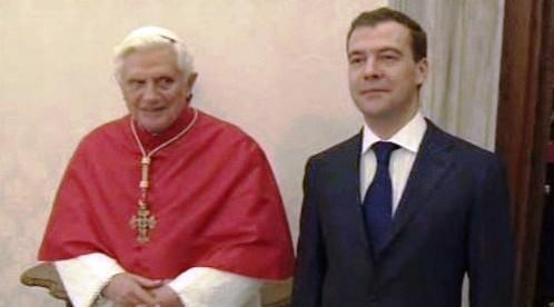 Dmitrij Medveděv a Benedikt XVI.