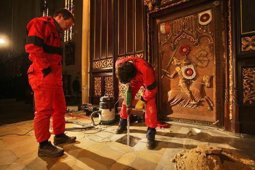 Průzkum rožmberské hrobky