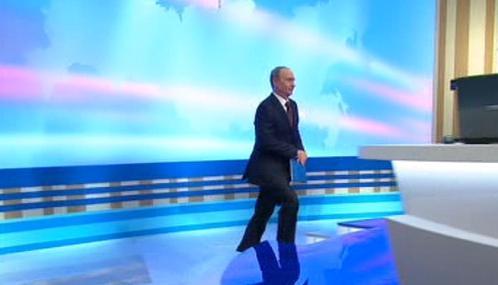 Vladimir Putin přichází debatovat s občany